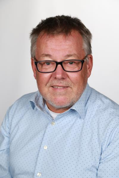 Dr. Michael Bax