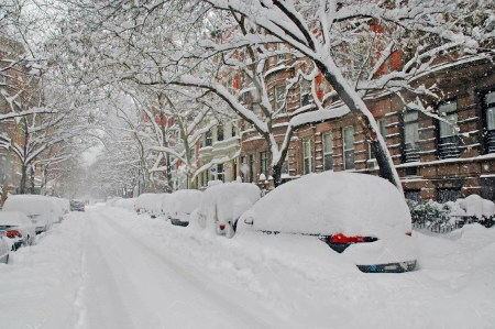 Snow-covered-street-New-York-City-b