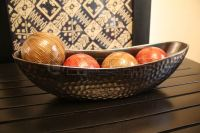 Boat-shaped dish bowl with four accent balls : Leoque ...
