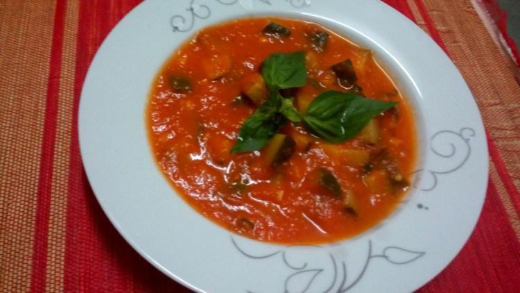 zucchini-tomato-sauce-leotunapika