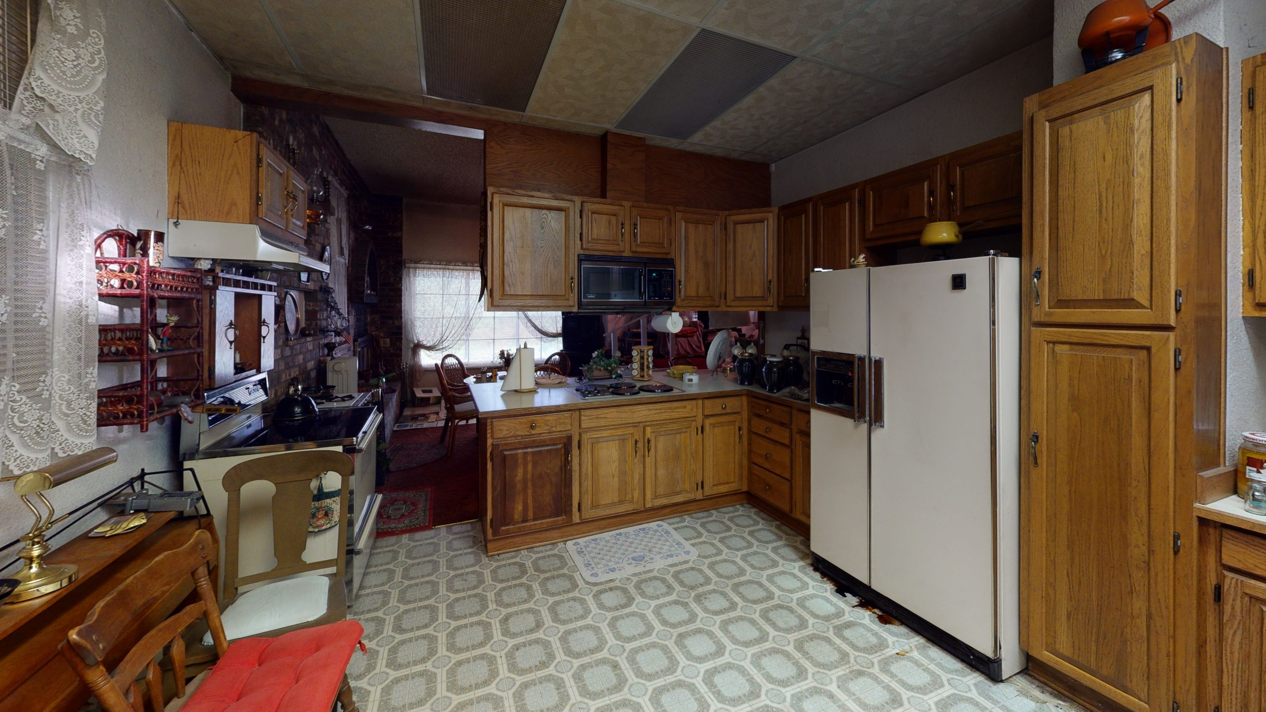 4924-Edgewood-Dr-E-Kitchen (1)