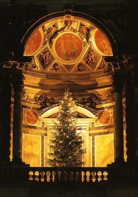 arvore-natal-2-na-igreja-idade-media-620x887