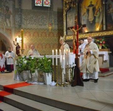 Eucaristia-2-300x296