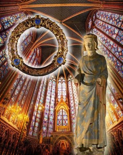 Sao Luis estatua na capela inferior da Sainte Chapelle Fondo capela superior Coroa de Espinhos no relicario atual