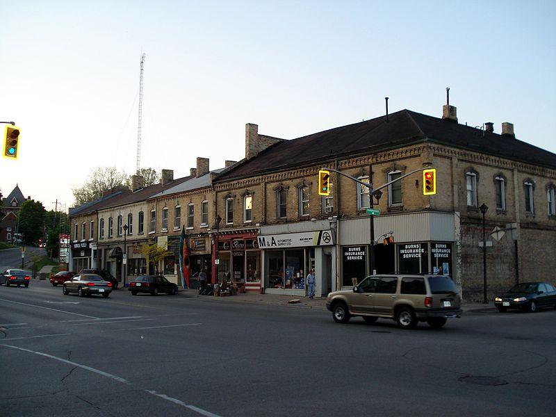 800px-Paris_Ontario_street_1