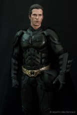Unboxing Hot Toys Batman DX 12 (3)