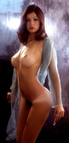 1975_12_Nancie_Li_Brandi_Playboy_Centerfold