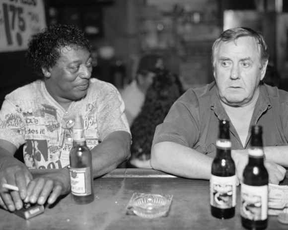 © Alec Soth : deux hommes dans un bar