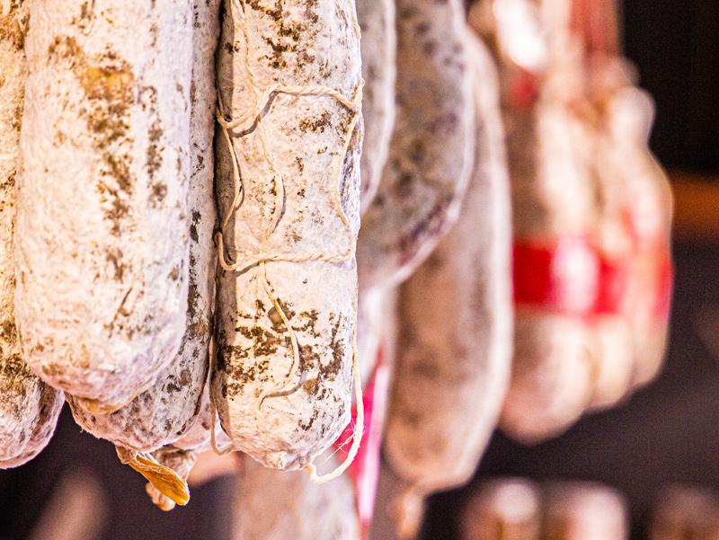 Cave à jambons, Charcuteries | Epicerie Marseille | Epicerie Maison Gourmande -74 cave à jambons, charcuteries - EPICERIE MAISON GOURMANDE CAVE A JAMBONS CHARCUTERIES 5 - CAVE À JAMBONS, CHARCUTERIES