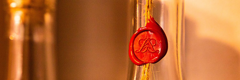 Vins et Spiritueux | Epicerie Marseille | Epicerie Maison Gourmande -29 vins et spiritueux - SLIDER vinotheque 3 - VINS ET SPIRITUEUX
