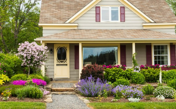 4 tips curb appeal landscaping