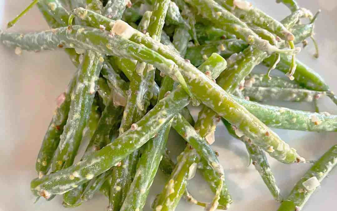 GREEN BEANS WITH MUSTARD DRESSING