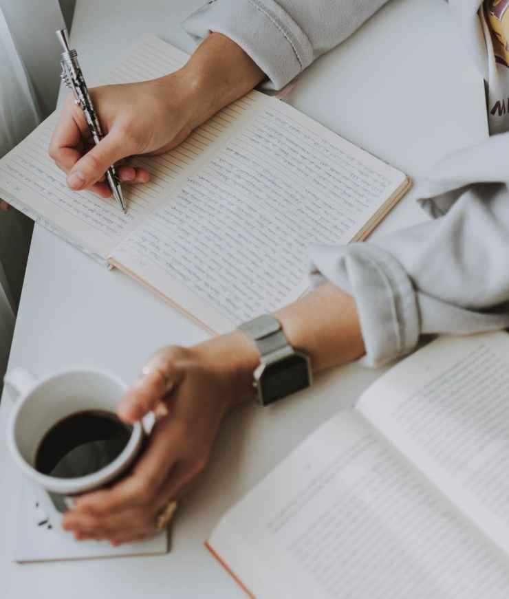 Écrire un livre.