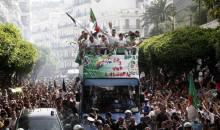 Algérie : les Fennecs accueillis en héros à Alger, et le Président Bouteflika demande à «Coach Vahid» de «rester»