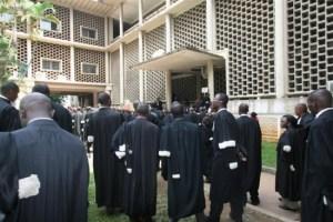 La crédibilité des hommes en toge décriée en Côte d'Ivoire par les victimes des déchets toxiques.Ph.Dr