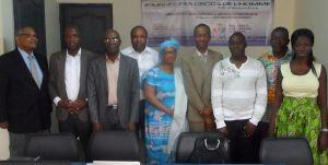 Les responsables de CIVIS-CI, de l'ONJCI et de BEMP ont immortalisé cette rencontre qui augure de lendemains meilleurs. Ph. lepointsur.com