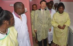 L'Ambassadeur du Japon et les autorités sanitaires ont visité les bâtiments et installations réhabilités Ph. Dr