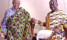 Au Ghana, le Roi Ashante (asantehene) se fait respecter, en Côte d'Ivoire, c'est l'inverse