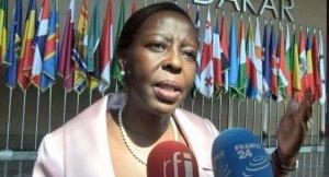 La ministre rwandaise des affaires étrangères Louise M