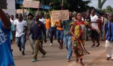 Référendum  constitutionnel : chaudes empoignades entre  policiers et manifestants à Gagnoa