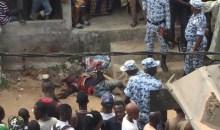 Pris en sandwich par les riverains : Les policiers sauvent in extremis un ''microbe'' et le font évacuer d'urgence #YopougonAdokoi