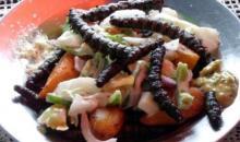 Salade au chitoumou (chenilles de karité)