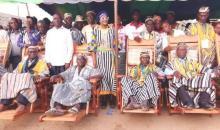 Côte d'Ivoire : la municipalité de Logoualé offre des chaises royales à la chefferie