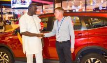 Côte d'Ivoire : enfin, l'heureux gagnant de la grande tombola des 3 ans de Playce et Carrefour Marcory a reçu les clefs de sa voiture