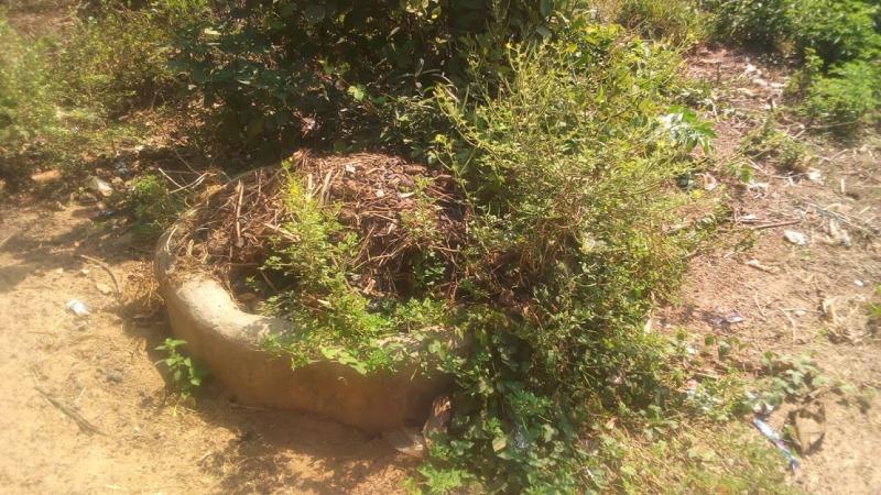Le puits dans lequel une vingtaine corps reposent depuis les massacres de 2002, selon Diétro Rémy