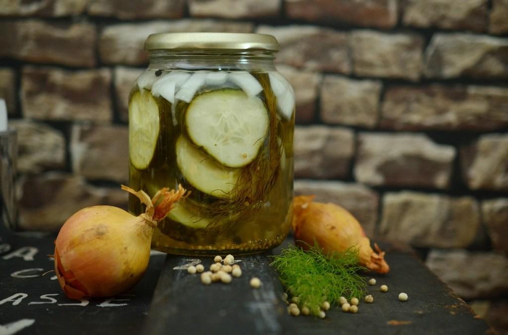 Conserver facilement ses récoltes grâce à la lacto-fermentation.