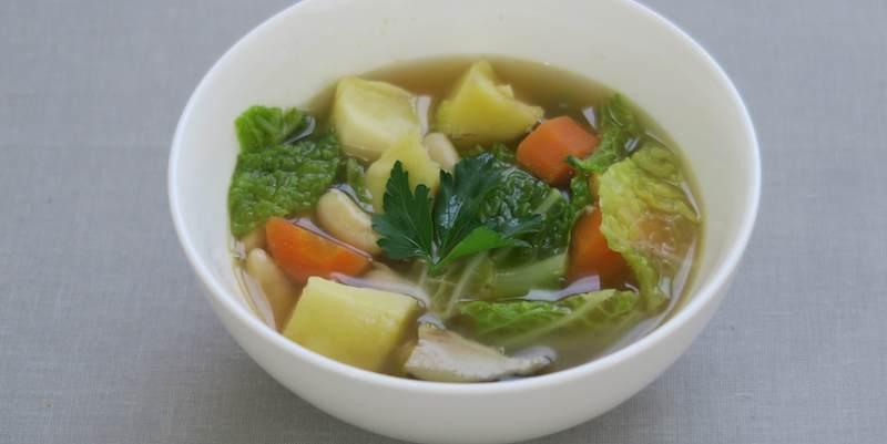 soupe aux choux et aux haricots