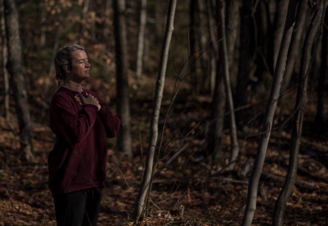 Marie Eve Godin dans le bois