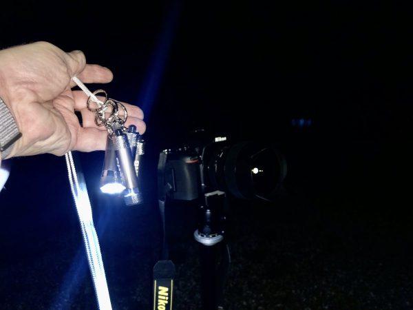Die LED-Taschenlampen an einer Kordel geschwungen sorgten für die Lichteffekte. (Foto: Andreas Lerg)