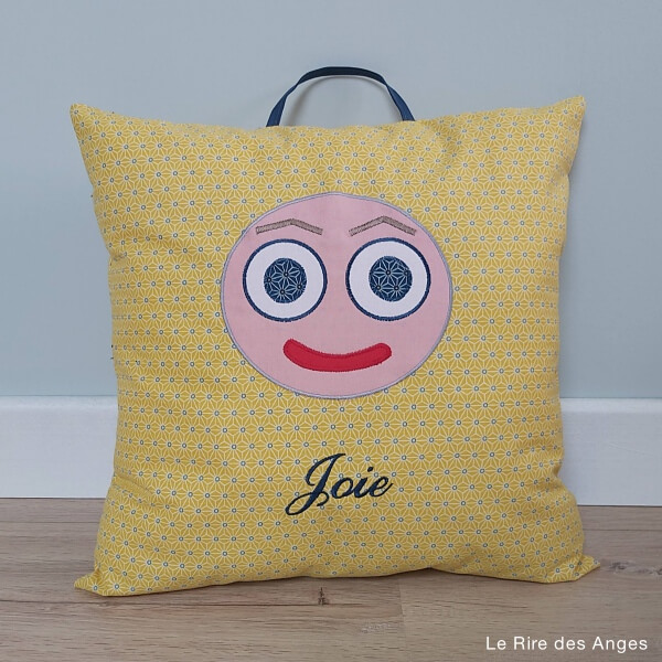 coussin emotion joie
