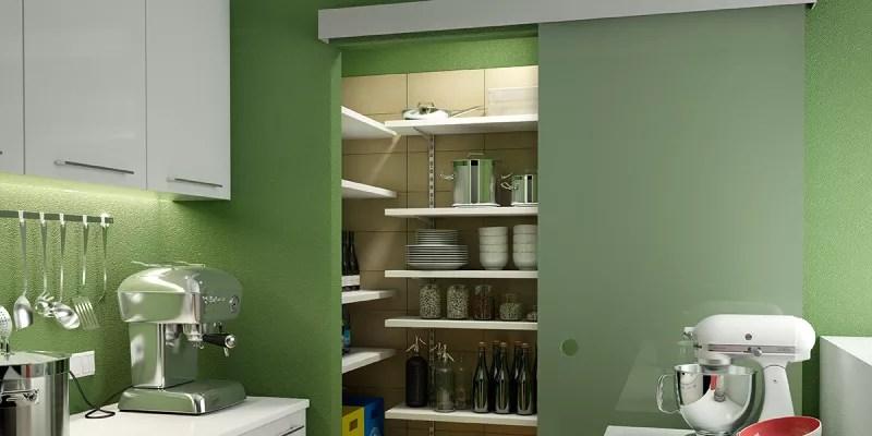 Come organizzare una cucina con dispensa funzionale e