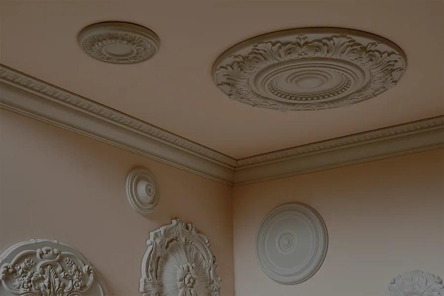 Siamo forniti di un vasto assortimento di cornici x decorazione dalle classiche in legno/laccate/oro; Rosoni E Cornici Polistirolo Come Scegliere Leroy Merlin