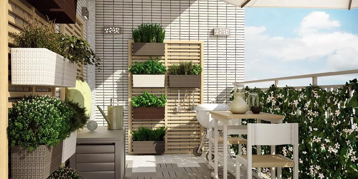 Un orto verticale per godere appieno di un balcone piccolo