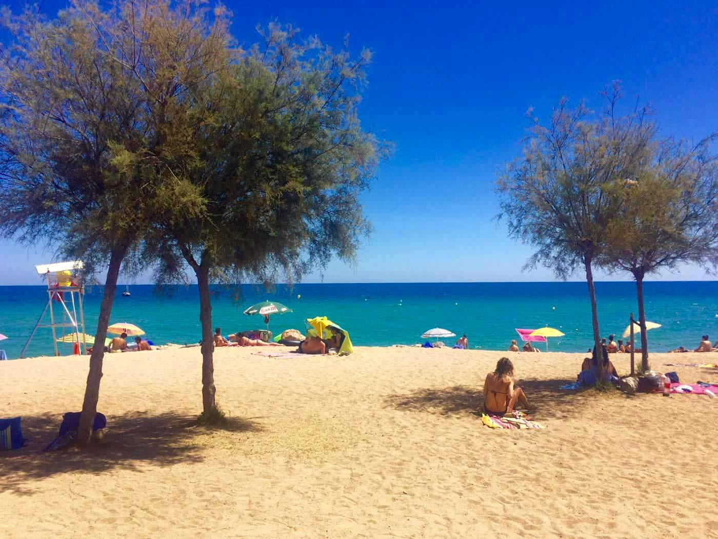 Les plages autour de Barcelone accessibles en train ou mtro
