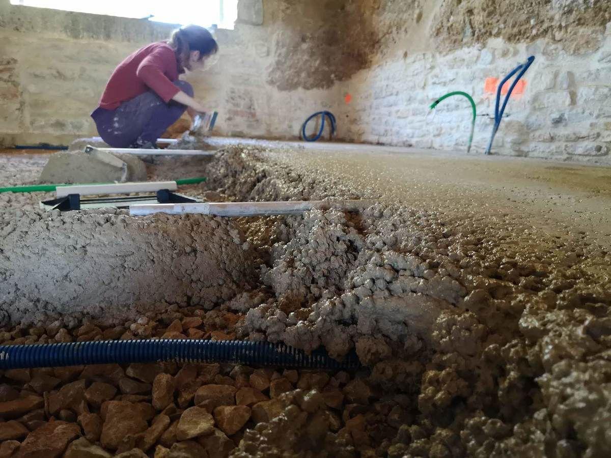 Dalle en ciment de chaux et billes d'argile