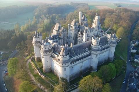 Château de Pierrefonds et le nid de bisons