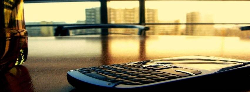 Smartphone - Photo de couverture journal Facebook