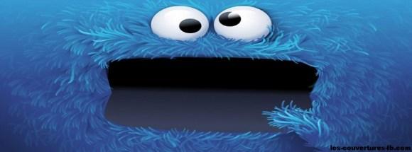 monstre en peluche bleu -Photo de couverture journal Facebook