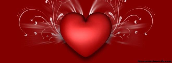 coeur rouge éclatant d'amour- photo de couverture journal facebook