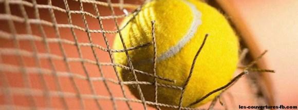 Balle de tennis troue la raquete couverture FB