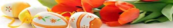 Fleurs oranges et oeufs en chocolat