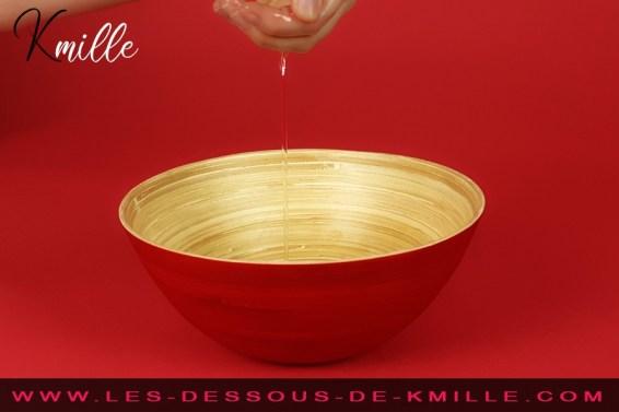 Kmille teste le gel de massage Nuru Nû, de la marque Mixgliss.