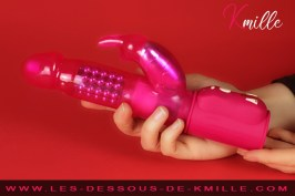 Kmille teste le vibromasseur rabbit Orgasmic Rabbit, de Dorcel.