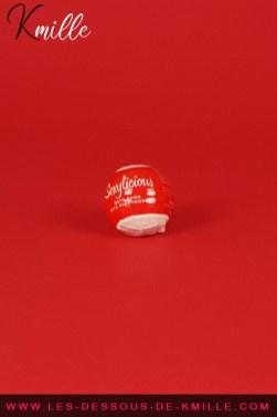 Test d'une boule effervescente pour le bain, de la marque Obsessive.