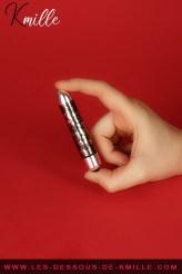 Kmille teste le vibromasseur bullet RO-90 mm Dr Rocco's Pleasure, de Rocks-Off.