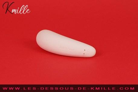 Test d'un stimulateur de clitoris connecté, de la marque Satisfyer.